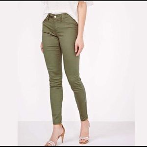 Mossimo Skinny Jeans Size 5.
